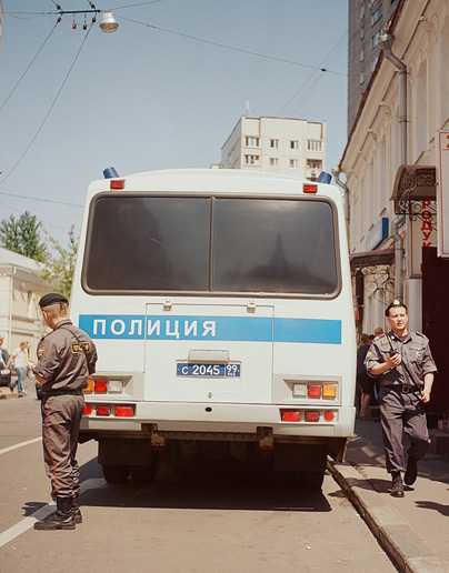 Police near Tagansky district court in Moscow during the hearing of the Pussy Riot case on July 4, 2012